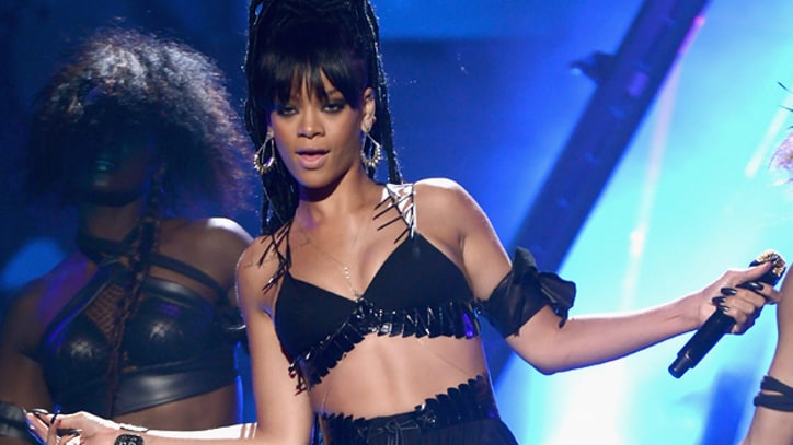 Rihanna: I Didn't Think Chris Brown Collaboration Would Be Controversial