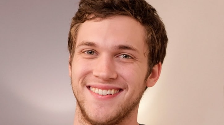 Phillip Phillips Undergoes Kidney Stone Surgery