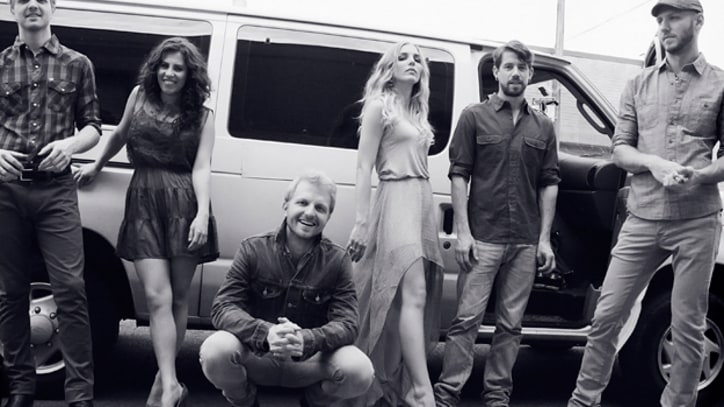 Album Premiere: Delta Rae's 'Carry the Fire'