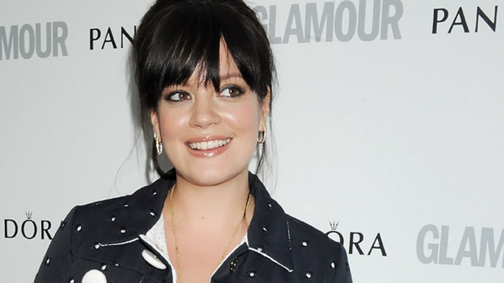 Lily Allen Returns to Studio