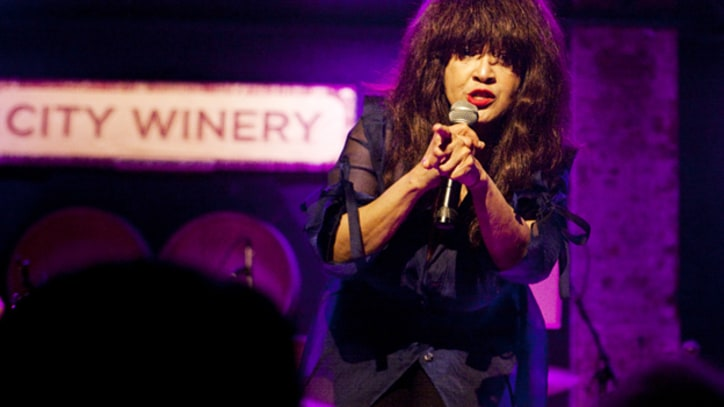 Ronnie Spector Opens One-Woman Show in New York