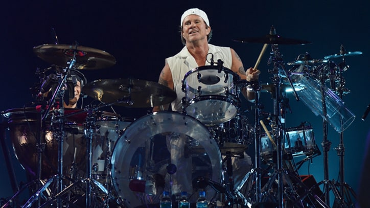 Chili Peppers' Chad Smith Talks 'I'm With You' B-Sides, Bombastic Meatbats LP