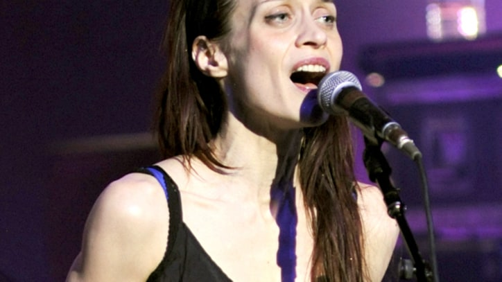 Fiona Apple Balances Intensity, Wit at the Hollywood Palladium