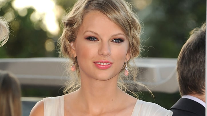 Report: Taylor Swift Dating Robert Kennedy Jr.'s Son