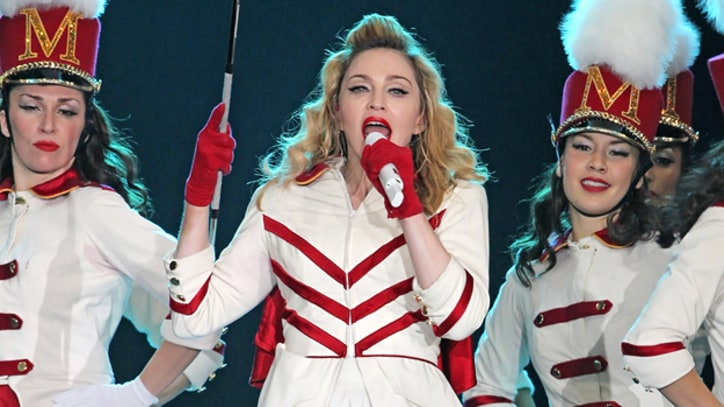 Madonna Calls for Pussy Riot's Release at Moscow Show