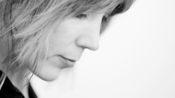 Song Premiere: Beth Orton, 'Magpie'