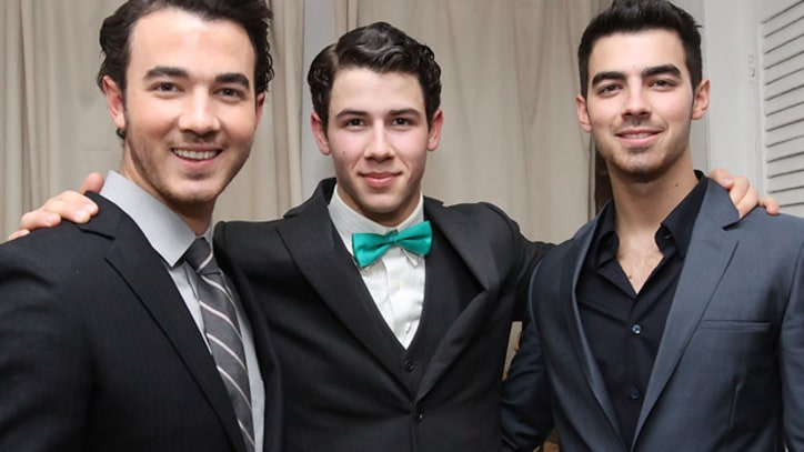 Jonas Brothers to Reunite for One Show