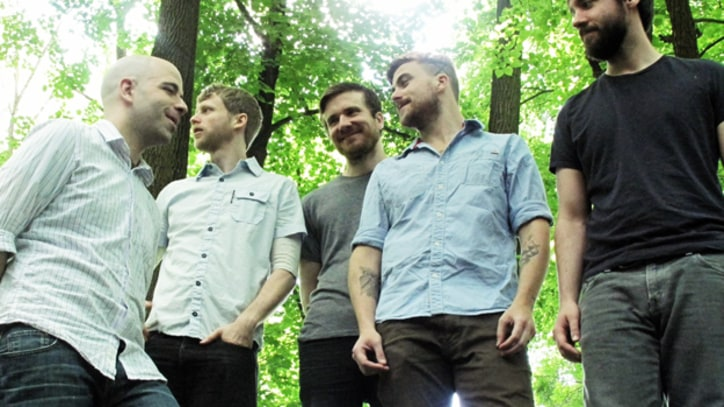Album Premiere: Circa Survive Go Truly Indie With 'Violent Waves'