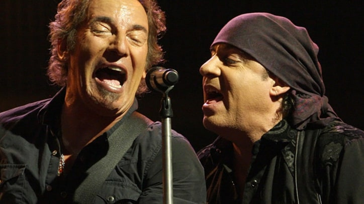 The E Street Band Keep Rolling in '09