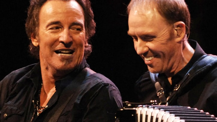 Obituary: E Street Organist Danny Federici, Played With Bruce Springsteen 40 Years
