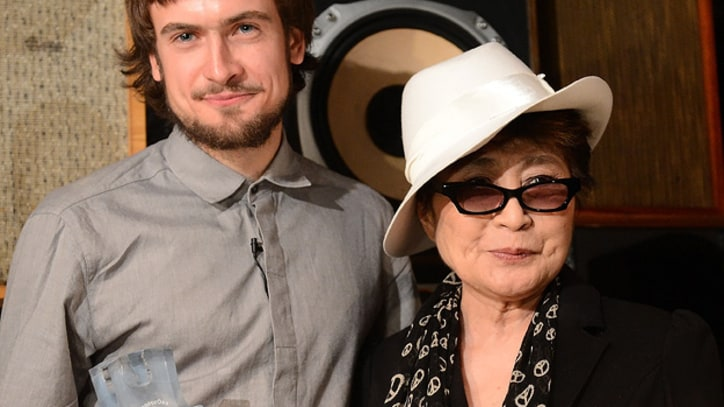 Yoko Ono Calls for 'Immediate Release' of Pussy Riot