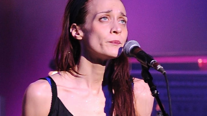 Texas Sheriff's Department to Fiona Apple: 'Just Shut Up and Sing'