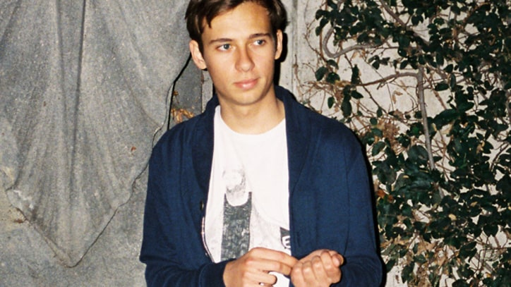 'Sleepless'  by Flume feat. Jezzabell Doran - Free MP3