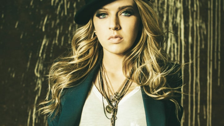 ZZ Ward Raises Chills on 'Save My Life' – Premiere