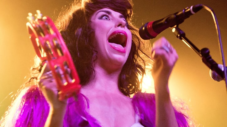 Kimbra Shows Lots of Pizzazz, Less Restraint in L.A.