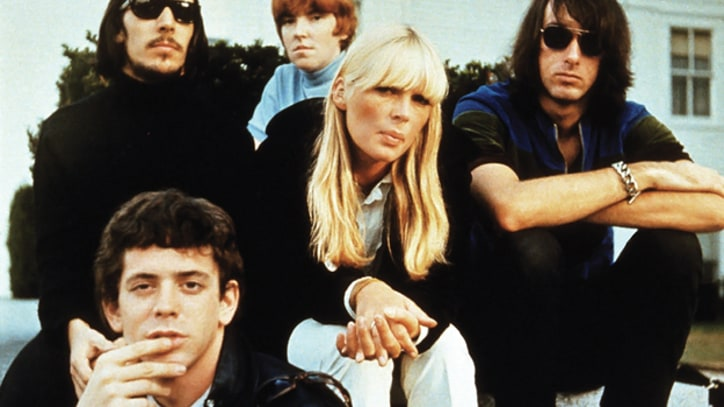 Kelley Stoltz Honors the Velvet Underground in 'Sunday Morning' - Premiere