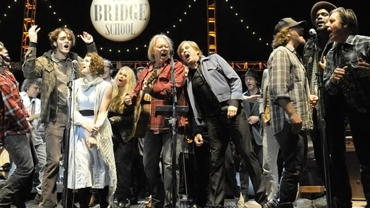 Eddie Vedder Joins Guns N' Roses at Bridge School Benefit
