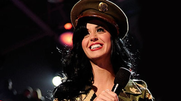 VH1 Divas Katy Perry, Nicki Minaj, Paramore 'Salute the Troops'