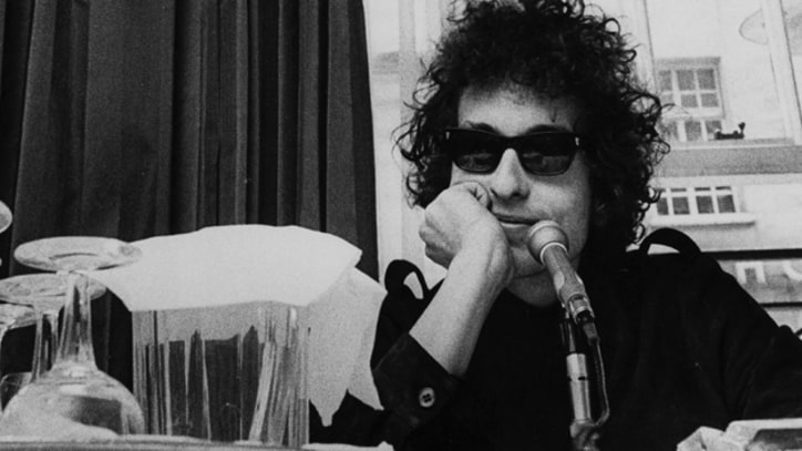 Bob Dylan Gives Press Conference in San Francisco