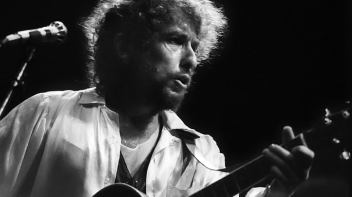 Dylan Stirs Controversy In Israel