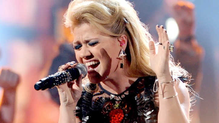Kelly Clarkson Engaged