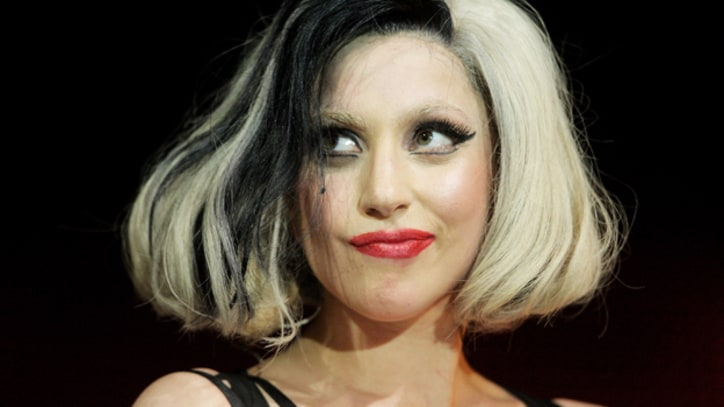 Lady Gaga Sells 1.1 Million Albums in a Week