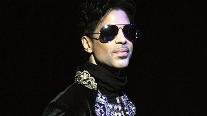 Prince Parties With Naomi Campbell, Whoopi Goldberg Onstage at MSG