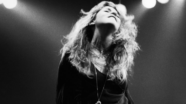 Fleetwood Mac Not Hurt By Stevie Nicks