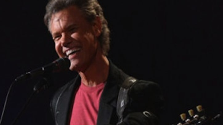 Randy Travis Pleads Guilty To DWI; Sentenced To Rehab, Probation