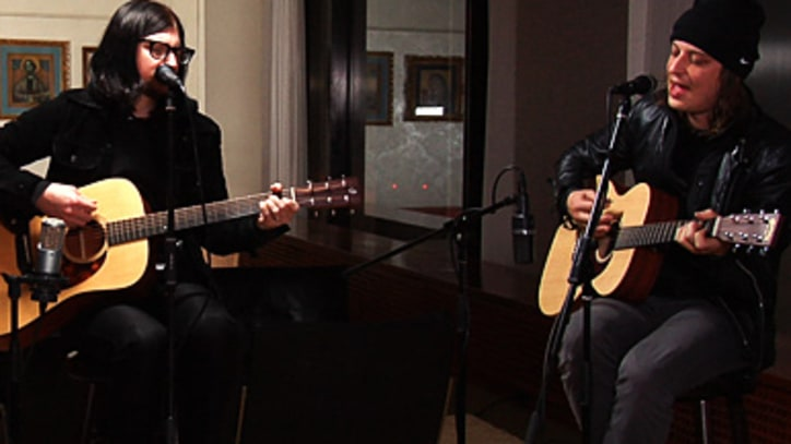 Rolling Stone Live: The Greenhornes Go Acoustic
