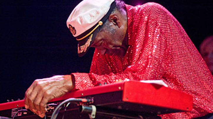 Chuck Berry Collapses Onstage in Chicago