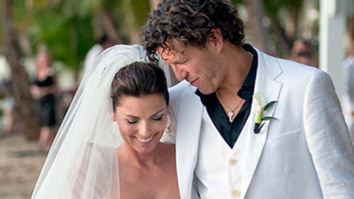Shania Twain's First Official Wedding Pics