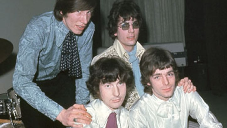 Pink Floyd Signs New Contract with EMI Records