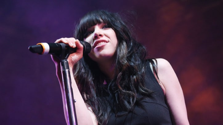 Carly Rae Jepsen Drops Boy Scouts Concert Over Anti-Gay Policy