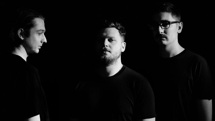 Review: Alt-J Throw a Fun 21st-Century Ren Faire on 'Relaxer'