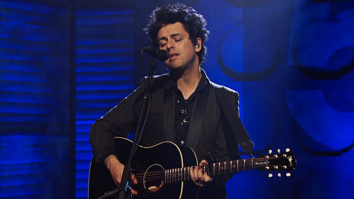 Watch Billie Joe Armstrong Deliver Powerful 'Ordinary World' on 'Conan'