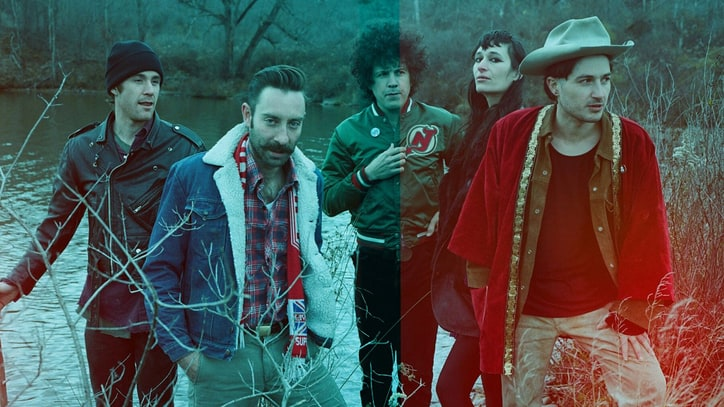 Watch Black Lips' Quirky New 'Can't Hold On' Video