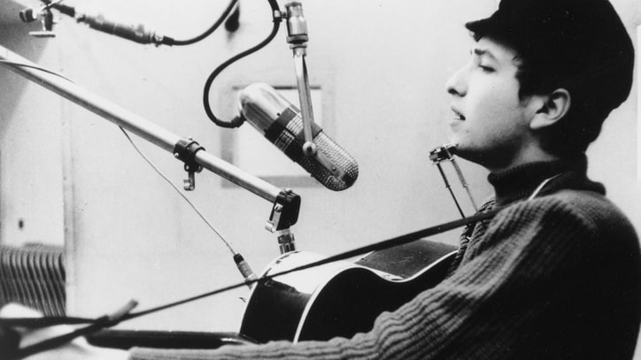 Bob Dylan's Handwritten Lyrics to 'Wisconsin' Song Head to Auction