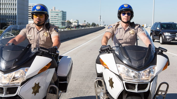 See Dax Shepard in NSFW Trailer for Motorcycle Cop Comedy 'CHiPS'