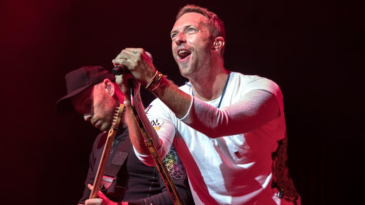 See Chris Martin Sing Beatles' 'Yesterday,' Drake's 'Hotline Bling' in Private Show