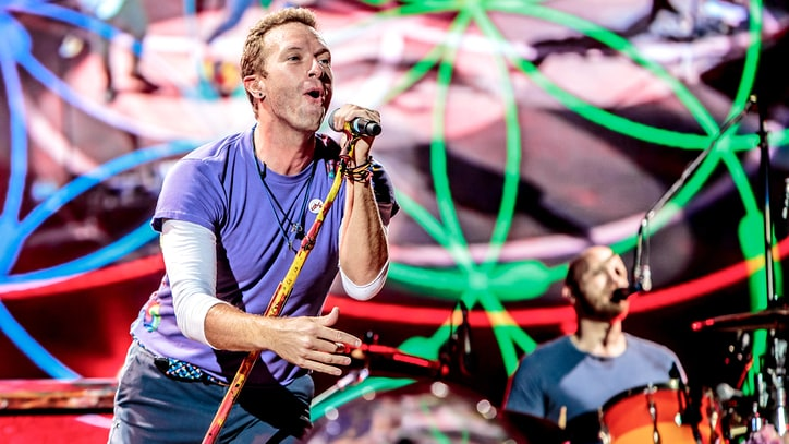 Watch Coldplay Fan in Wheelchair Perform With Band After Crowd-Surfing