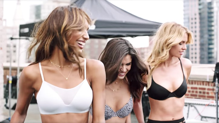 Watch Supermodels Lip Dub Justin Bieber, David Guetta's New Song '2U'