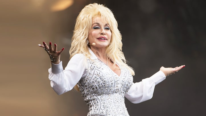 Dolly Parton Creates Wildfire Relief Fund for East Tennessee