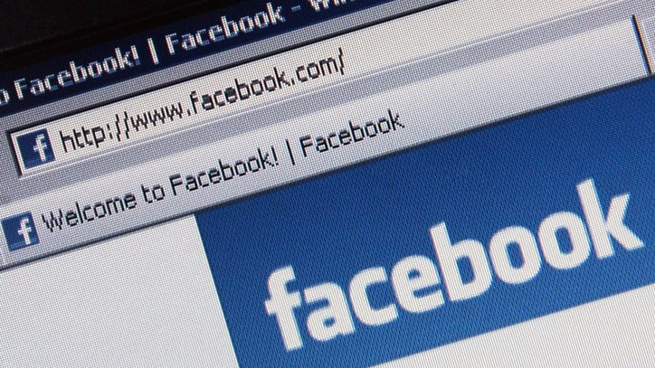 Facebook Partners With Fact-Checkers to Fight Fake News