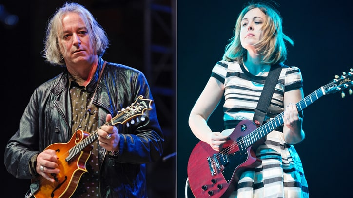 Hear R.E.M., Sleater-Kinney Supergroup's Anti-Donald Trump Song, 'Despierta'
