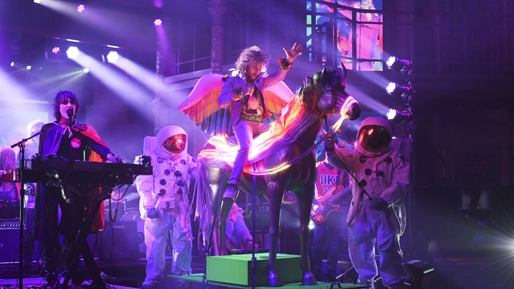 See Flaming Lips' Trippy 'There Should Be Unicorns' on 'Colbert'
