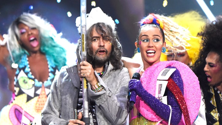 Hear Flaming Lips' Kaleidoscopic 'We A Famly' With Miley Cyrus