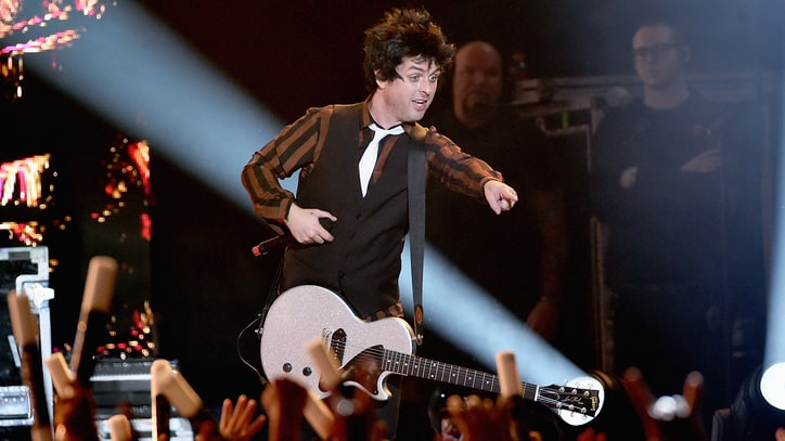 Watch Green Day, Beck, Weezer Unleash Hits at KROQ Christmas Concert
