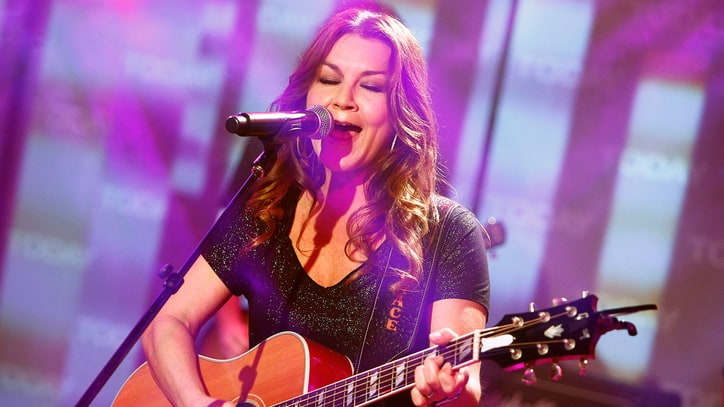 Hear Gretchen Wilson's Hell-Raising New Song 'Rowdy'