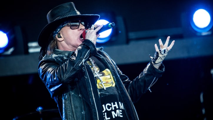 Guns N' Roses Play 'Catcher in the Rye' With Slash, Duff McKagan for First Time
